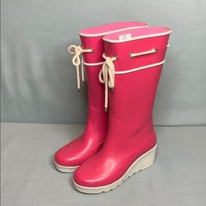 Sperry Wedge Rain Boots. Hot Pink with white sole